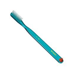 Зубная щетка GUM CLASSIC, компактная жесткая